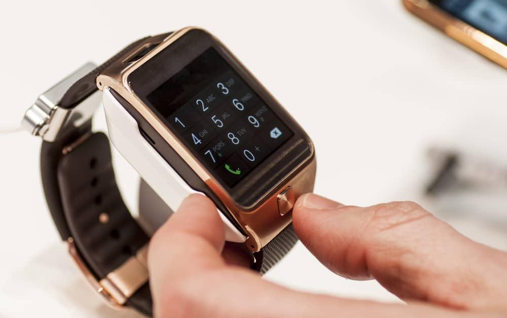 samsung gear smartwatch wearable.